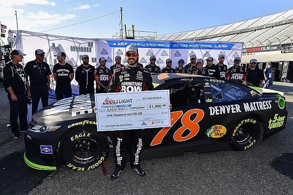 NASCAR Cup Truex regola Kyle Busch e si prende la pole a Dover