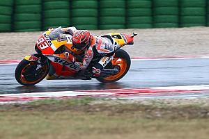 MotoGP Résumé d'essais Warm-up - Sous la pluie, Márquez glisse mais domine à nouveau