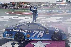 NASCAR Cup Rennbericht NASCAR in Charlotte: Martin Truex Jr. frühzeitig in der nächsten Playoff-Runde