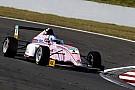 Формула 4 Видео: гонщица Ф4 едва увернулась от внедорожника