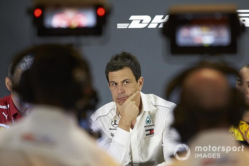 Wolff étonné que Ferrari parle déjà de consignes