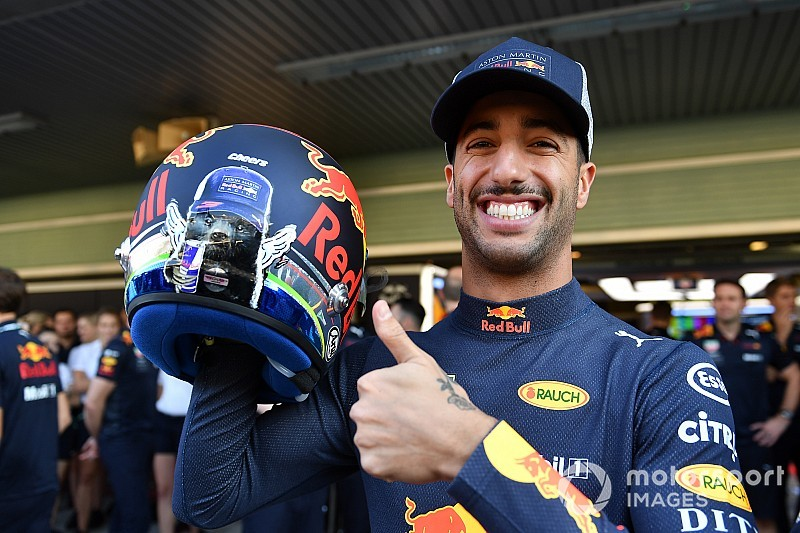 Red Bull zwaait Ricciardo uit met hilarische hoogtepunten