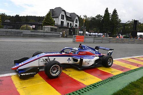 W Series Spa: Kimilainen, Chadwick'i geçerek ıslak zemindeki yarışı kazandı