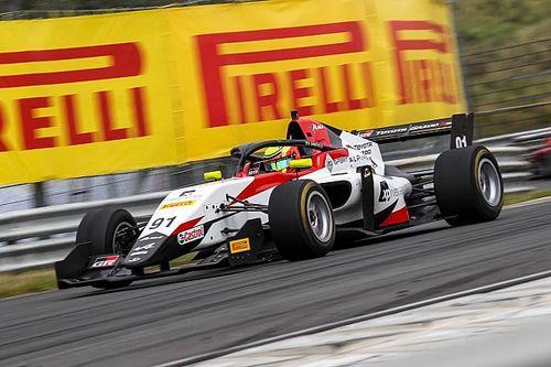 Dudu Barrichello chega à metade da temporada da F-Regional e faz balanço de estreia na Europa