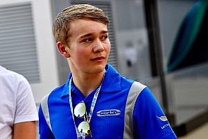 Billy Monger signe la pole pour son retour à Donington