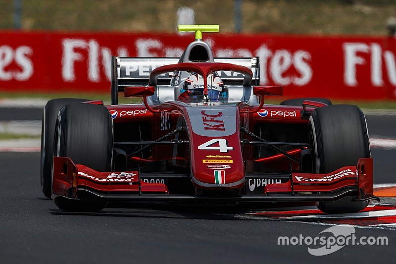 Hungary F2: De Vries beats charging Norris in drying thriller