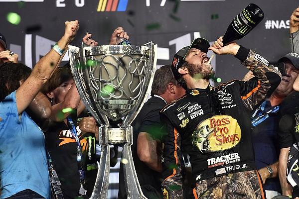 NASCAR Cup Gara Martin Truex Jr vince ad Homestead ed è campione NASCAR 2017!