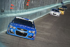 NASCAR Cup Race report Larson dominates Stage 2, Truex takes championship lead