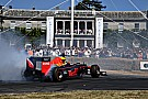 Video: Red Bull trakteert op donuts tijdens Goodwood