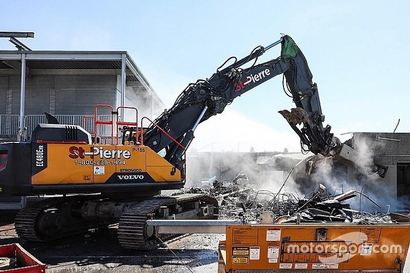 Boxes de Montreal são demolidos para construção de novos