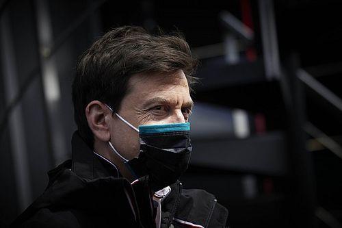 Wolff onthult: Red Bull benaderde honderd werknemers van Mercedes