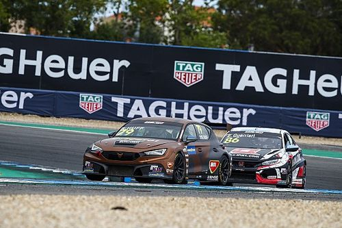 """Huff lands first WTCR points despite """"out of our hands"""" speed deficit"""