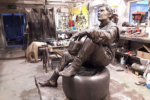 Wesprzyj pomnik Ayrtona Senny