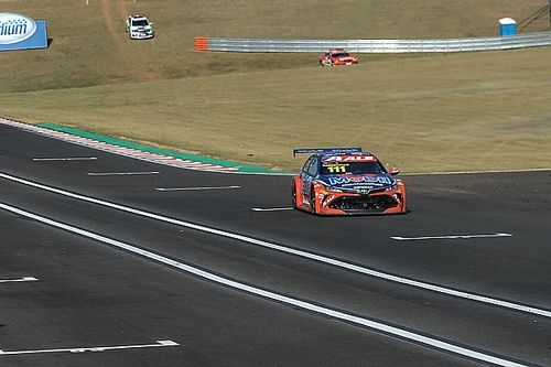 Stock Car: Barrichello supera Zonta e é pole no Velocitta