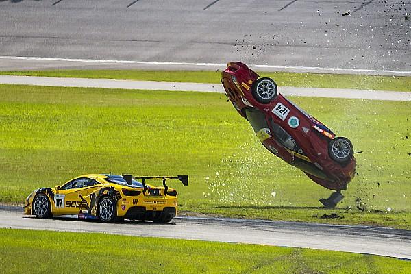 Ferrari Top List GALERIA: Ferrari capota em acidente em corrida nos EUA