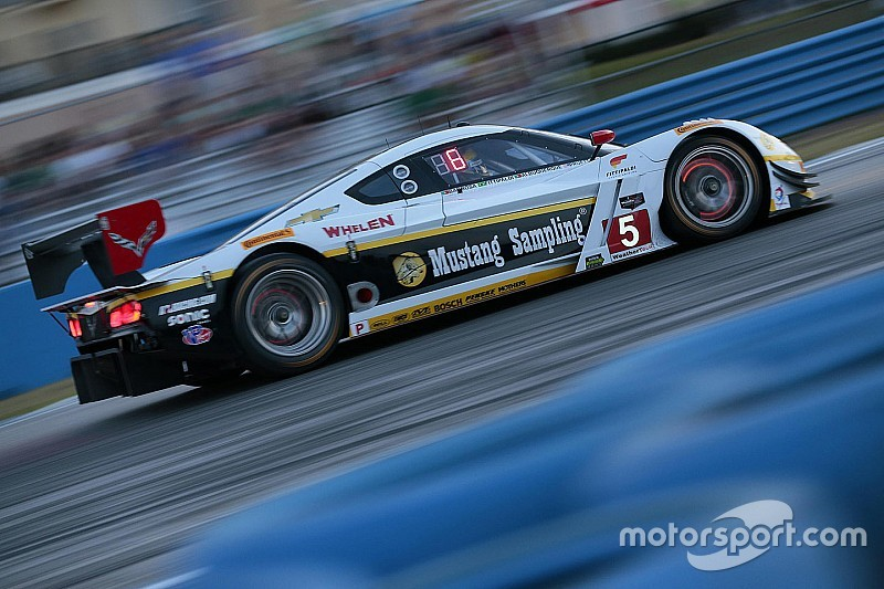 Sebring 12hr, Hour 9 – Close battles at the front of each class