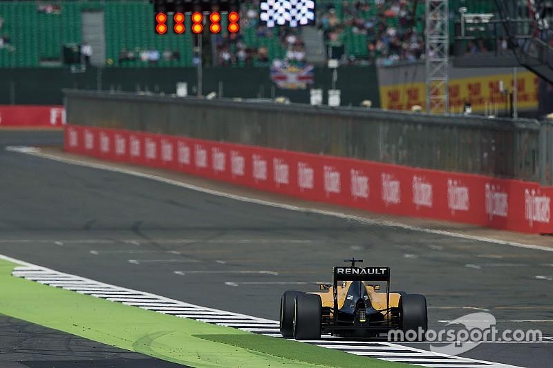 FIA предупредила гонщиков о недопустимости выезда за границы трассы