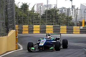 F3 Qualifying report Macau GP: Da Costa grabs provisional pole as crashes mar session