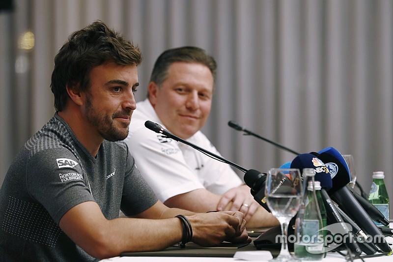 Horner cree que McLaren comete una locura con Alonso en Indy