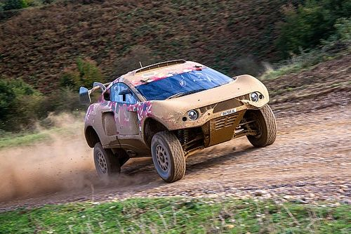 Nani Roma y Loeb estrenan su 4x4 para el Dakar