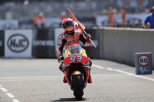 MotoGP Prancis: Marquez hat-trick, Dovizioso-Zarco tak finis