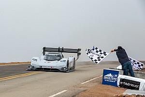 Dumas pulvérise le record de Loeb à Pikes Peak!