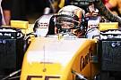 Sainz nagyon erősen kezdett a Renault-val: rögtön legyőzte Hülkenberget