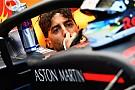 """Ricciardo: modo de motor da Mercedes é """"soco no estômago"""""""