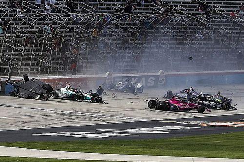 VIDEO: el accidentado arranque del domingo de IndyCar en Texas