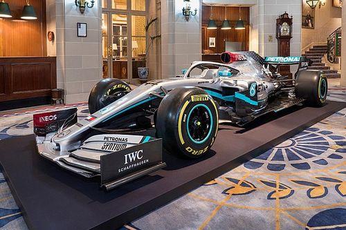 梅赛德斯发布2020年赛车新涂装