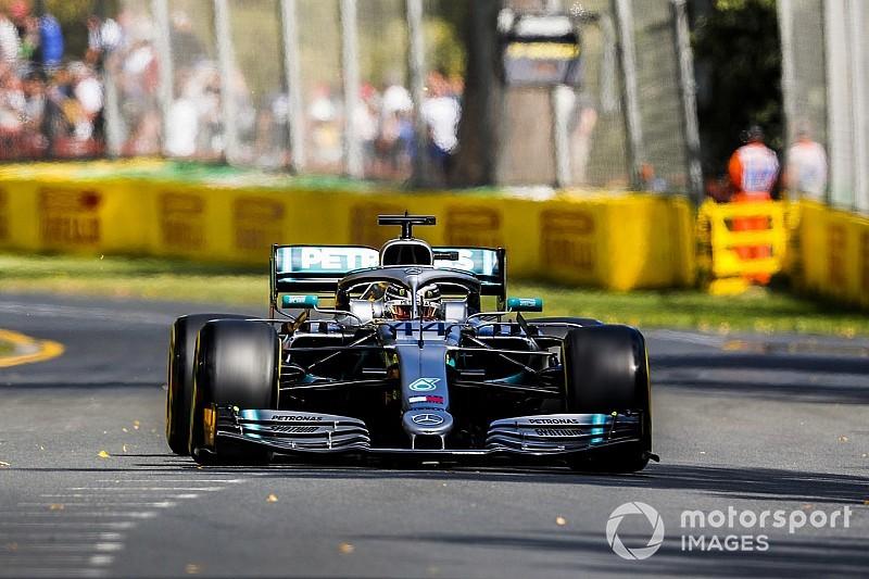 Hamilton snelste in eerste training van 2019, Verstappen naar P4