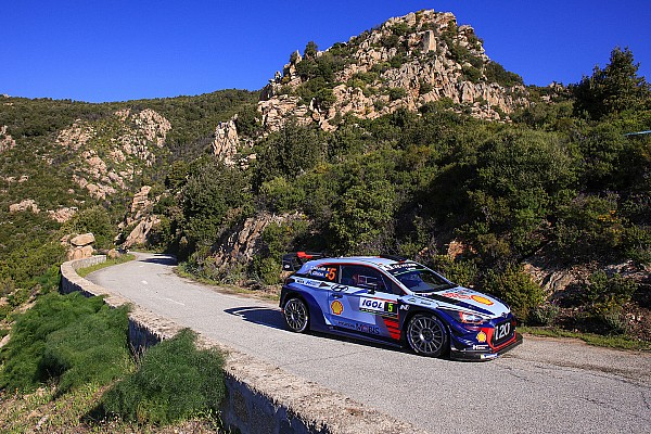 WRC Corsica WRC: Neuville takes over, engine woes for Meeke