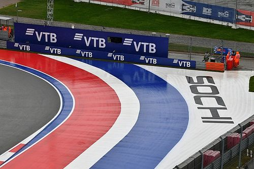 A szombati nap elmosásától tartva az FIA már át is ütemezte az F3-as futamot