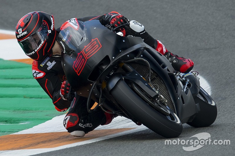 Valence, mi-journée : Lorenzo et Zarco en piste sur leur nouvelle moto !
