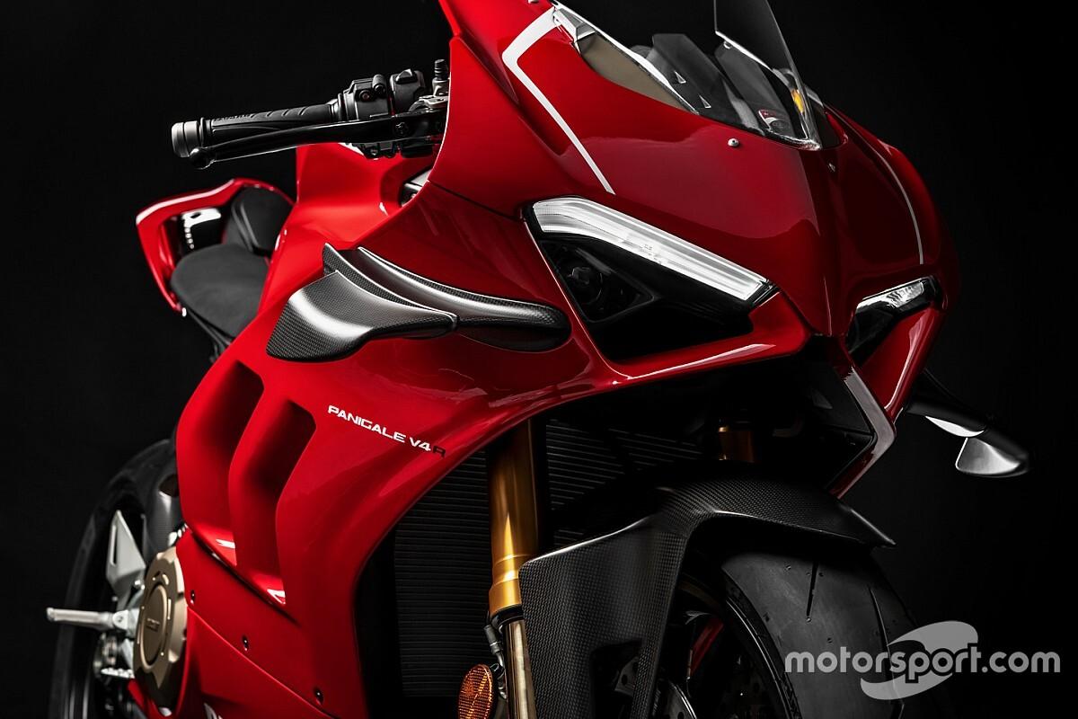 Fotogallery SBK: ecco la Ducati Panigale V4 R, base da cui deriva la Rossa 2019 per la SBK