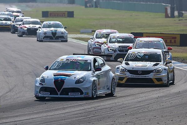 Ferrara e Mosca sulle Alfa Romeo della V-Action a Monza