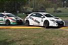 J. Giacon vince la volata con Scalvini nel duello Honda di Gara 1