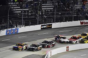 NASCAR Cup Rennbericht Martinsville-Spektakel: Kyle Busch schafft NASCAR-Finaleinzug