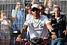 Hamilton, sin prisa por renovar... ni por escuchar a otros equipos