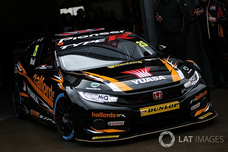 Thruxton BTCC: Neal sets new lap record en route to pole