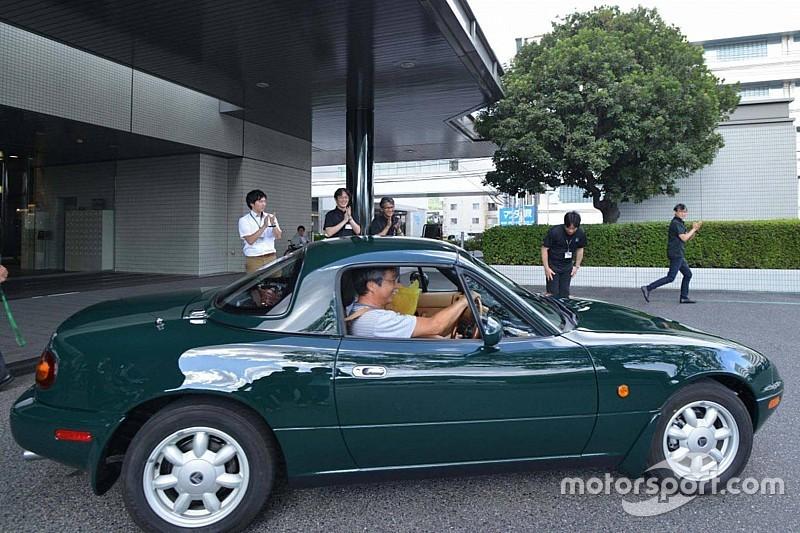Mazda відреставрувала старий MX-5 Miata для свого клієнта