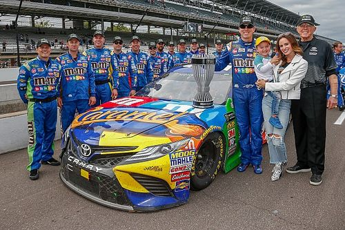 """Kyle Busch earns regular season title despite """"ugly day"""" at Indy"""