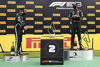 Hamilton n'a pas aimé les robots porteurs de trophée