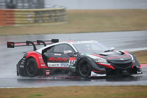 VIDEO: Karthikeyan gana dramáticamente la Dream Race en Fuji