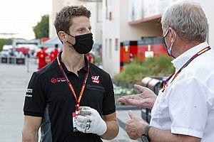 Grosjean makes sim racing return, one month after Bahrain crash