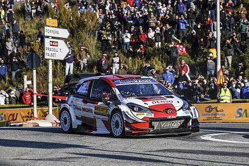 WRC, Rally Spagna, PS1: Evans vola. Resiste solo Neuville