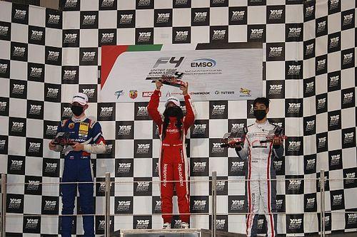 فورمولا 4 الإماراتية: ديلانو فانت هوف يوسع فارق الصدارة وحمدة القبيسي تفوز على أرض الوطن