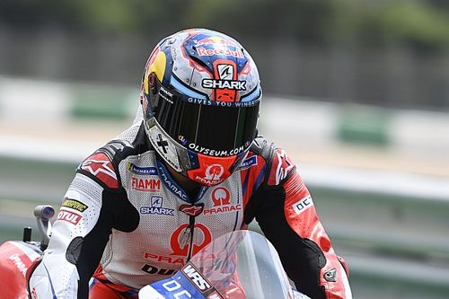 Martin's surgery postponed, Jerez return in doubt