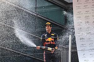 Formule 1 Actualités Vidéo - Daniel Ricciardo fête sa victoire en Chine