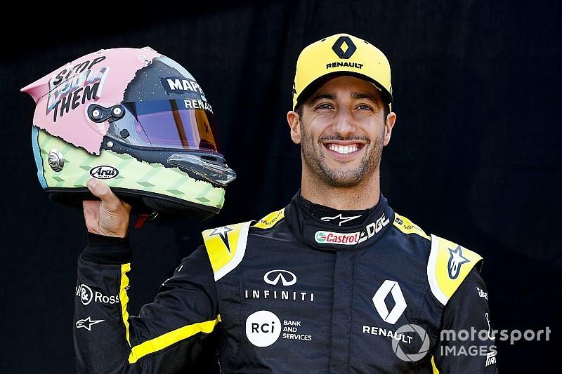 Ricciardo présente son nouveau casque